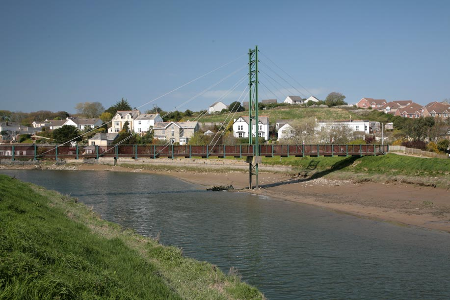 cornwall bridge dating Wadebridge and cornwall dating website for single men and women in wadebridge and surrounding counties free to join, photos, chat rooms, interest groups and private.