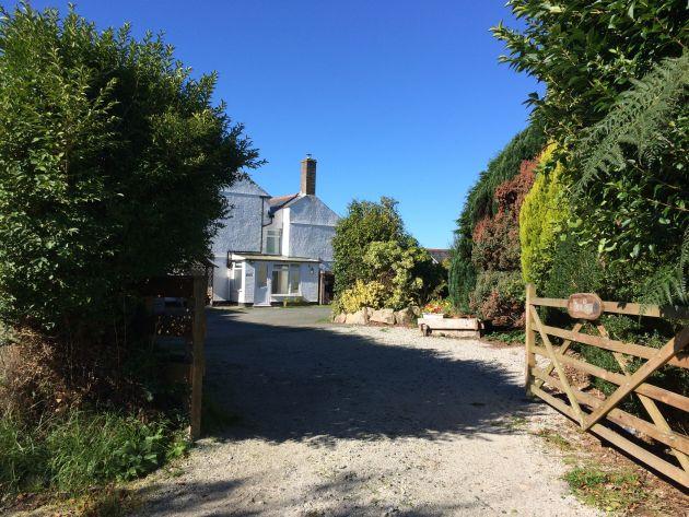 Holidays at The Old Farmhouse at Mena
