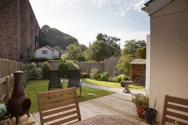 Riverside Cottage (pet friendly) You Chill Holidays