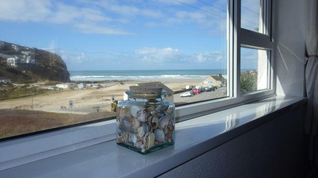 Seascape beachside apartment with sea views