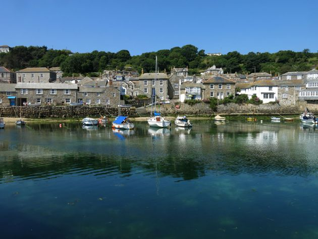 Mousehole accommodation