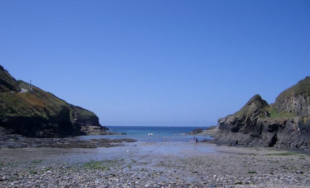 Port Gaverne Beach - Low Tide