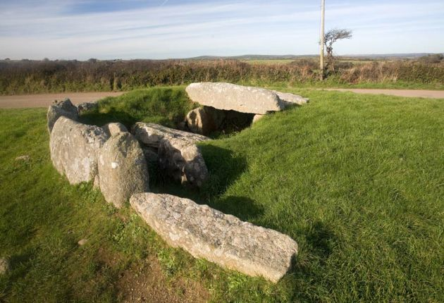Tregiffian Scillonian Chambered Tomb