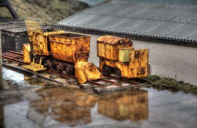 Levant mine trucks