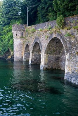Hannafore Road arches - West Looe