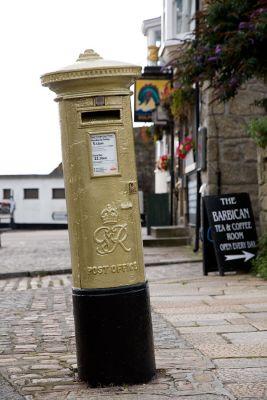Olympic golden post box - Penzance