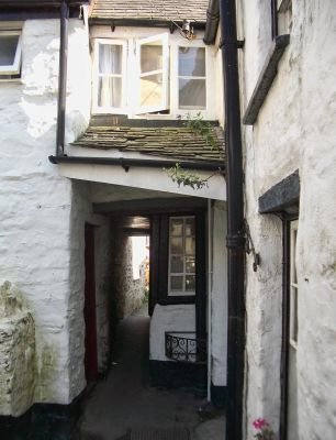 Squeezy Belly Alley - Port Isaac