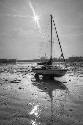 Yacht in the sand - Penzance harbour