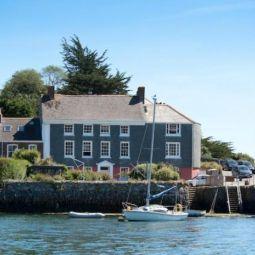 New Quay Lodge