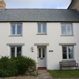 Beautiful Cornish Cottage available dates July and September