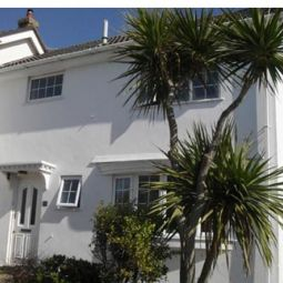 Three bedroom cottage - sleeps 6