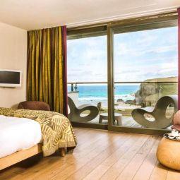 Luxury Hotel - Sea View