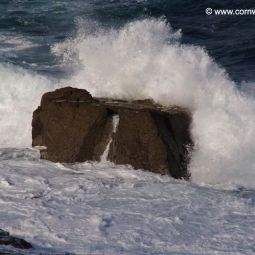 Wave breaking, Portheras Cove