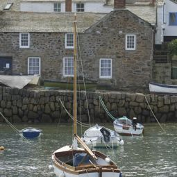 MOUSEHOLE HARBOUR (9450)