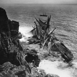 The Hansey Shipwreck - Housel Bay - 1911