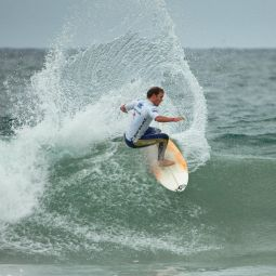Throwing some spray - Newquay Boardmasters 2005