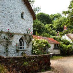 Helford Village cottages
