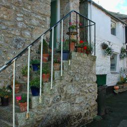 Cottage Steps - Mousehole