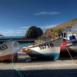 Mullion Cove boats