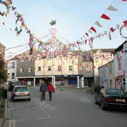 Padstow May Pole