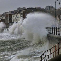 Penzance Promenade Waves