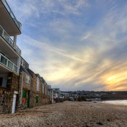 Porthmeor beach-side apartments - St Ives