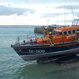 Launching the St Ives Lifeboat 2