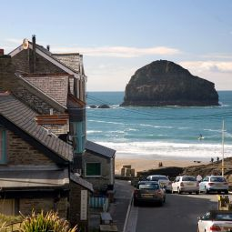 View down to Trebarwith Strand