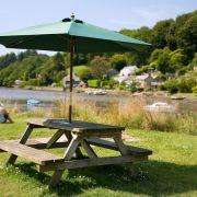 Picnic bench - Lerryn