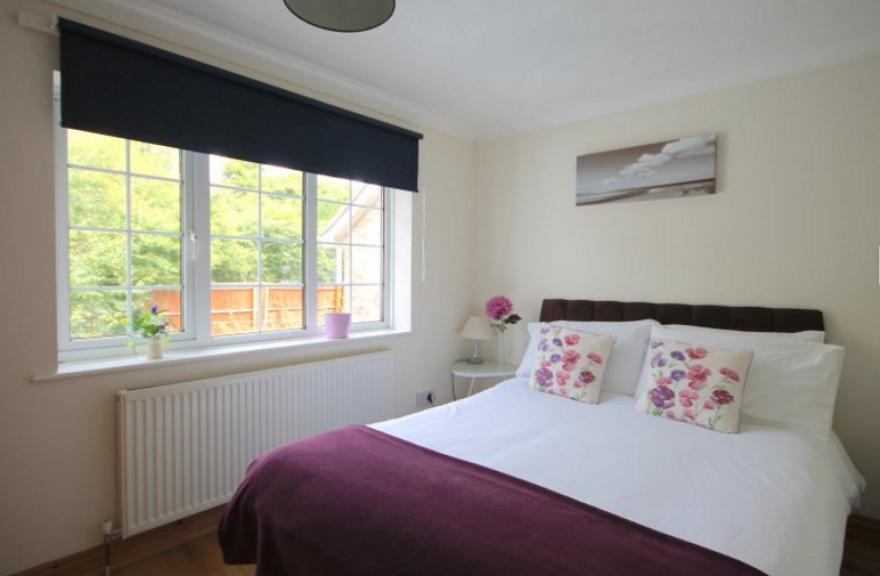 Three bedroom cottage - sleeps 6