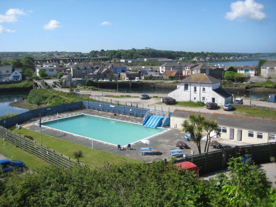 Hayle Swimming Pool