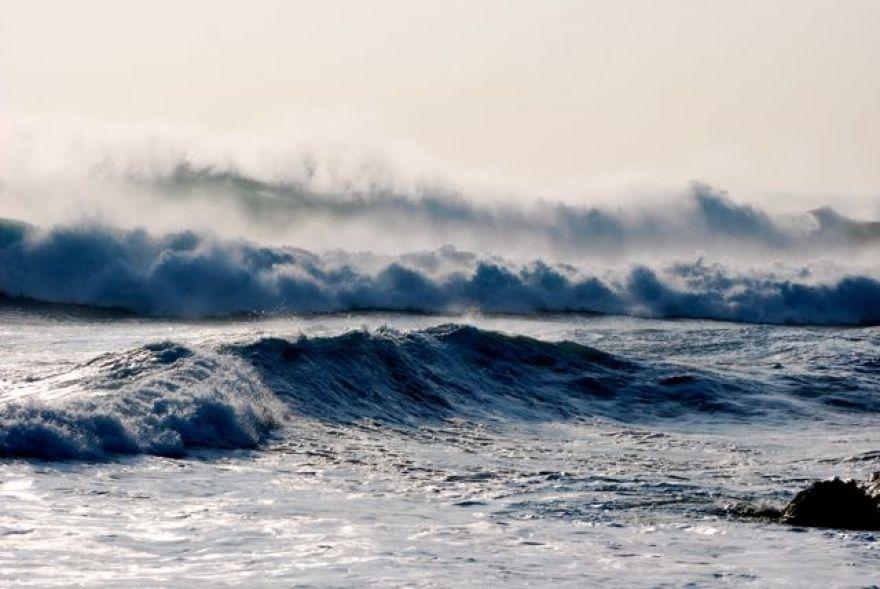 Stormy seas at Gunwalloe