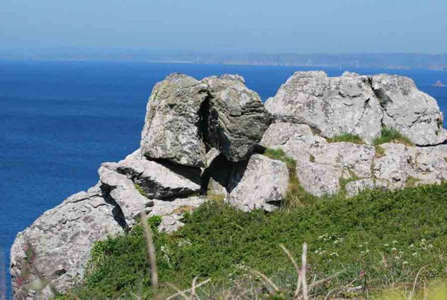 Kissing rocks at Mullion