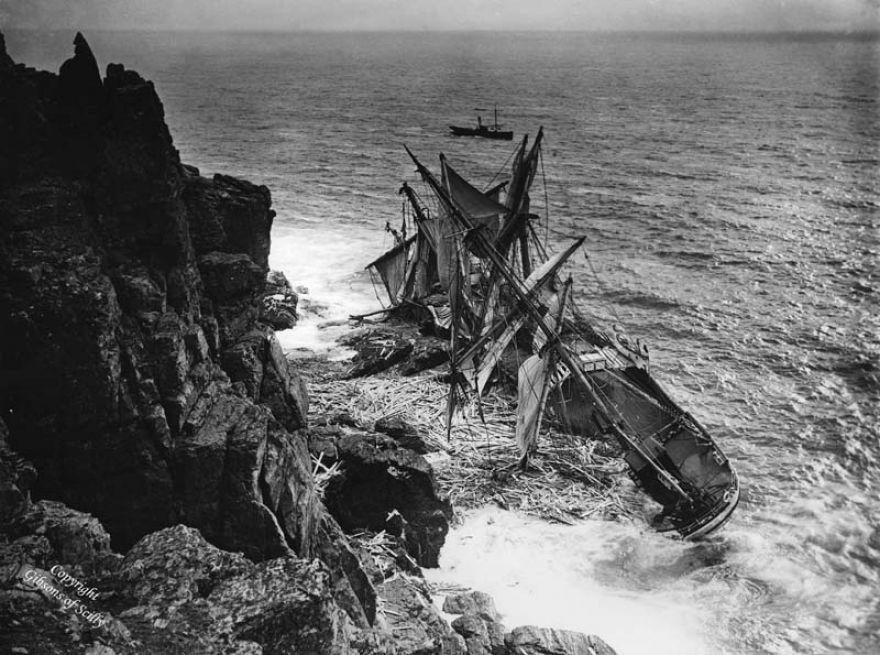 The Hansey Shipwreck - Housel Bay - 1911