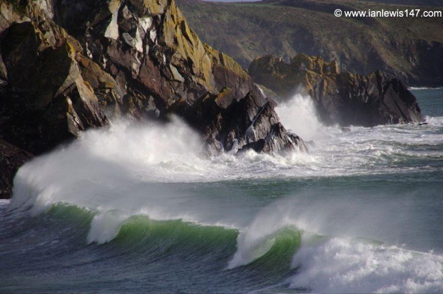 Wave breaking, Kennack Sands