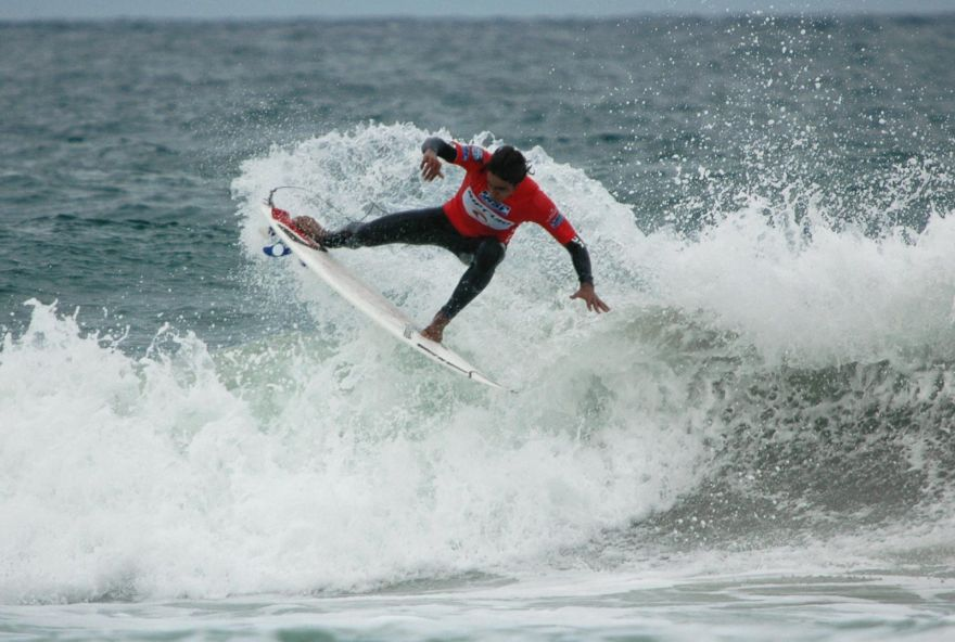 Bustin Some Tail - Rip Curl Boardmasters 2005