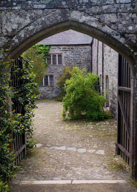 Cotehele Archway