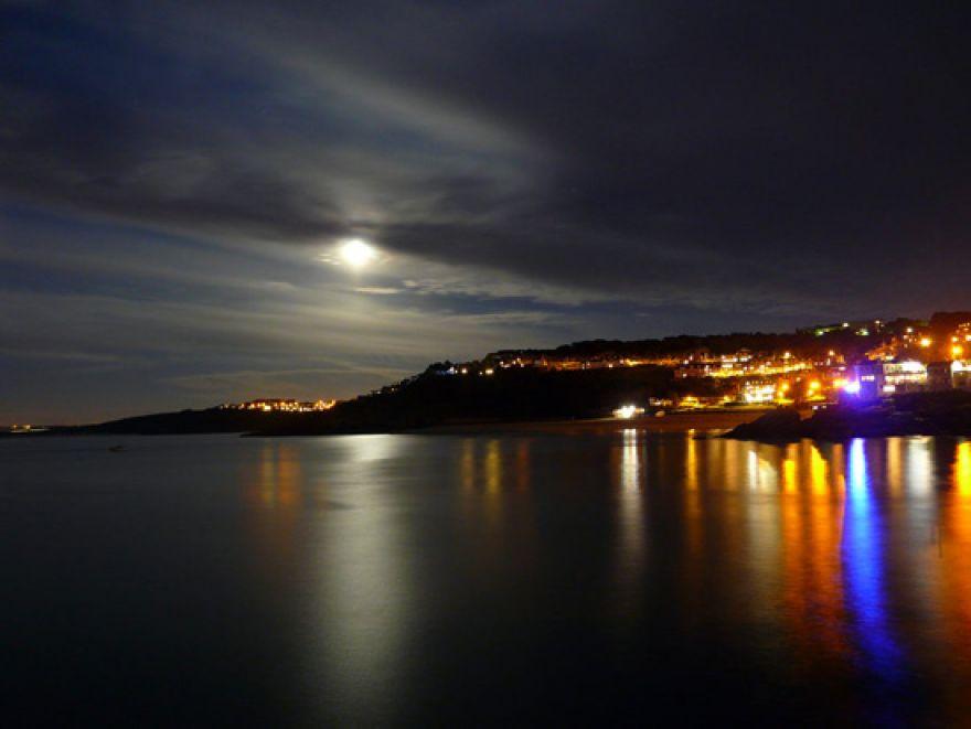 Big moon harbour st ives