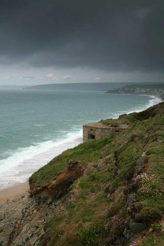 Loe Bar Pillbox