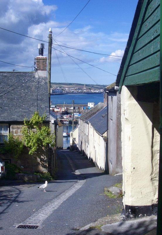 Another quaint Newlyn street!