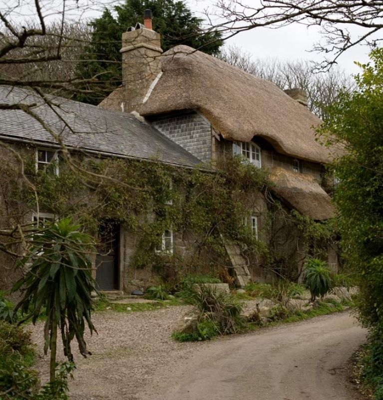 Penberth Cove Thatched Cottage