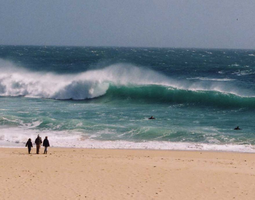 Porthcurno impersonationg Pipe!