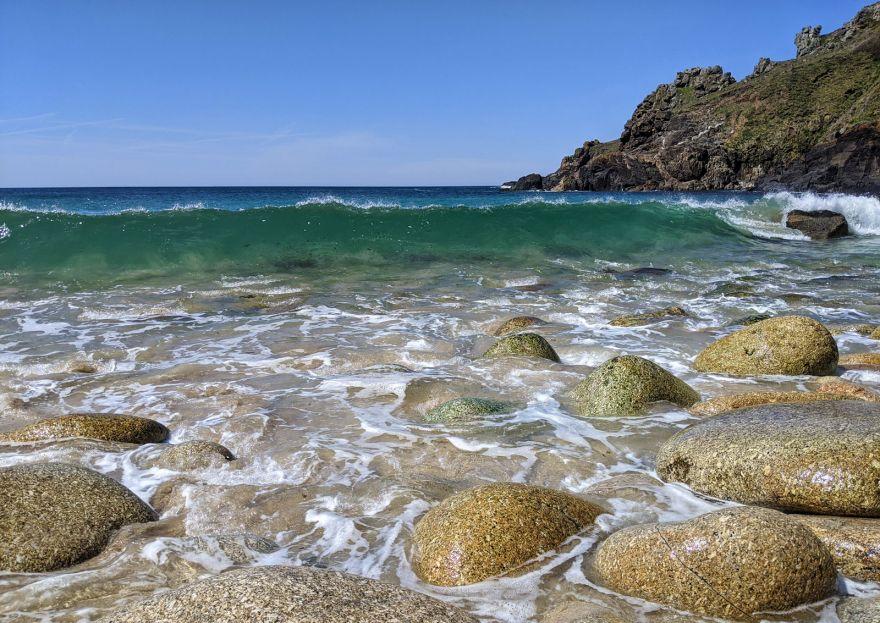 Summer wave at Porthmeor Cove