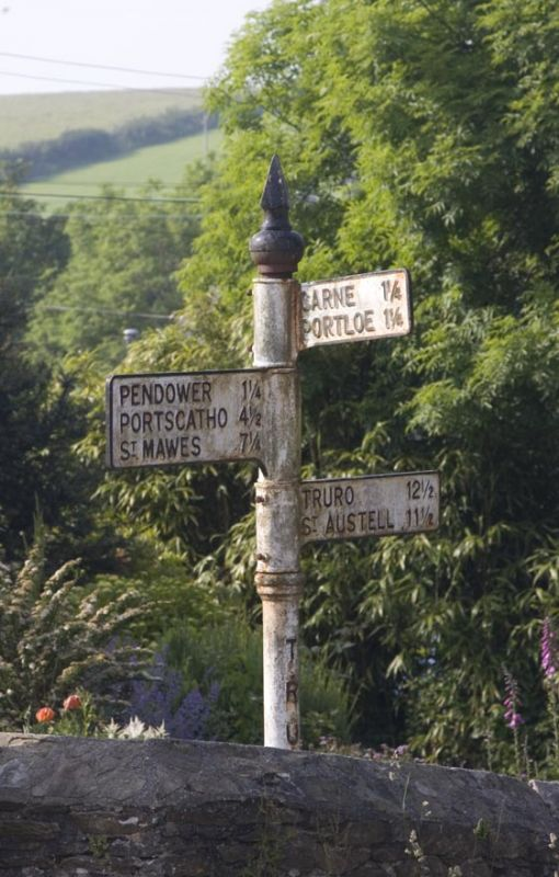 Roseland Signpost