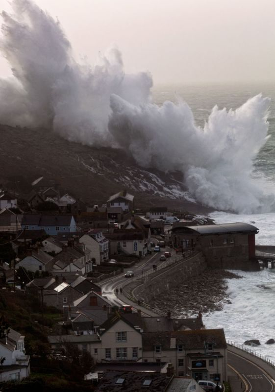 Sennen Storm - Splash of the Year!