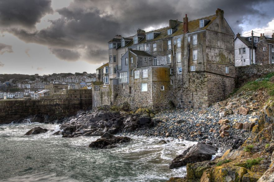 St Ives - Bamaluz with ominous sky