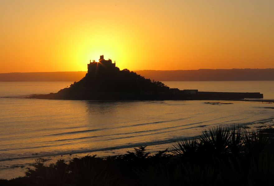 St Micheal's Mount Sunset | Cornwall Guide