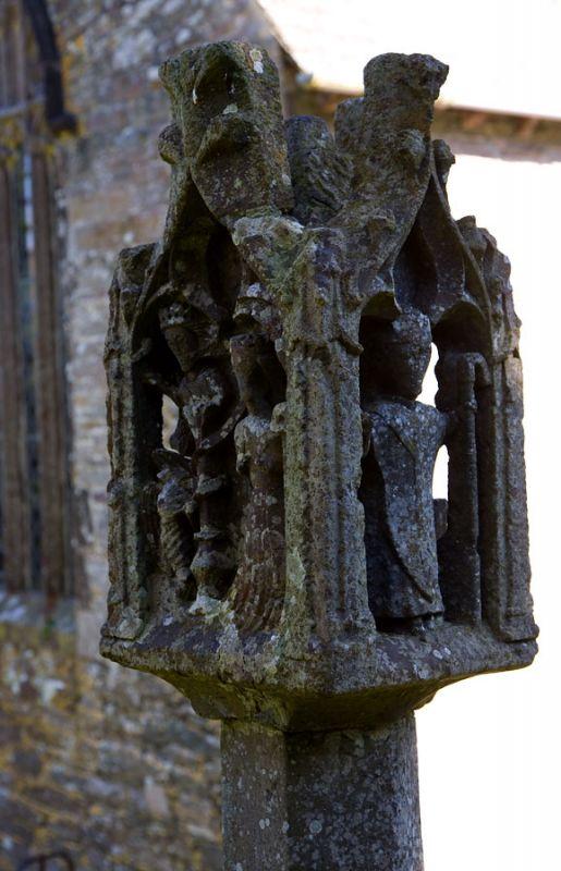 Lantern Cross - St Mawgan Churchyard
