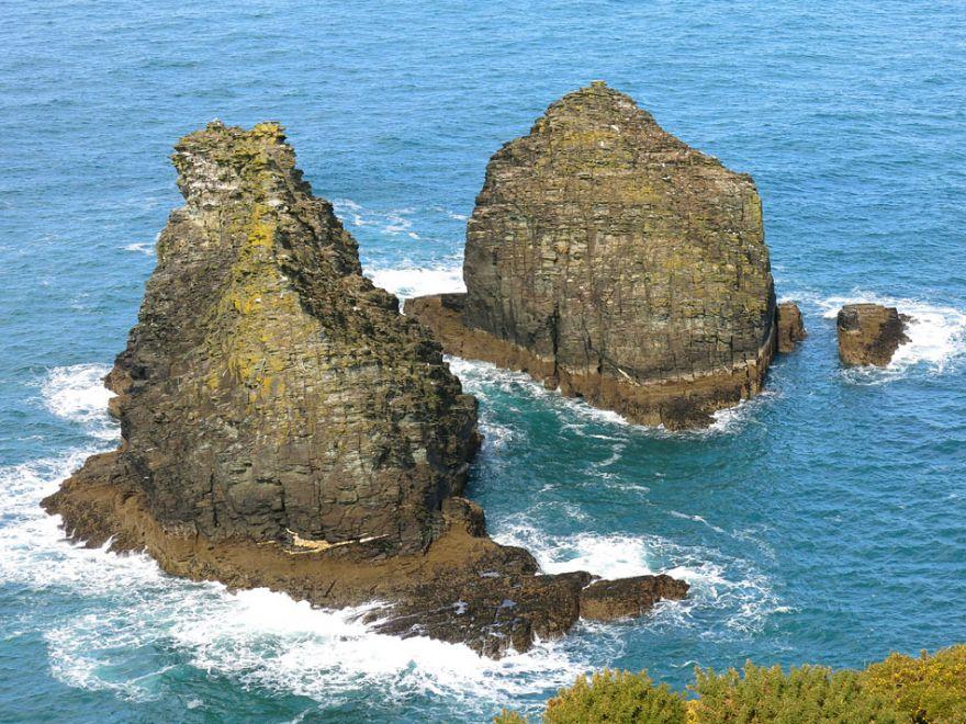 The Sisters rocks - Tintagel