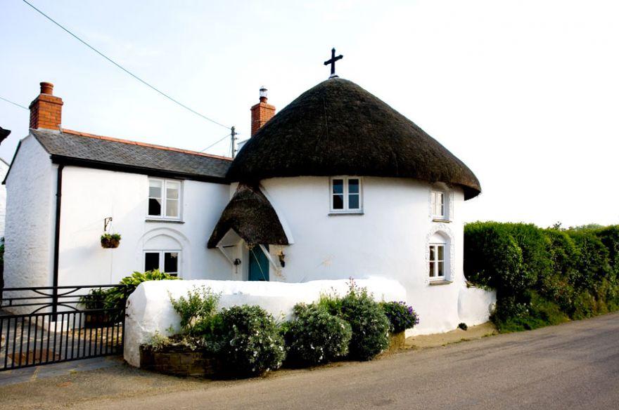 Veryan Round House